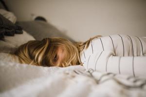Eine Zubettgehroutine kann Dir beim Schlafen helfen.
